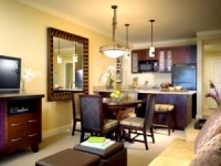 Elegant and spacious villas with all the amenities of home - Dining and kitchen area